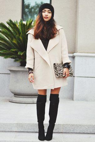 kläder överklädda stövlar vit kappa svart & vit klädsel  Varje vecka.