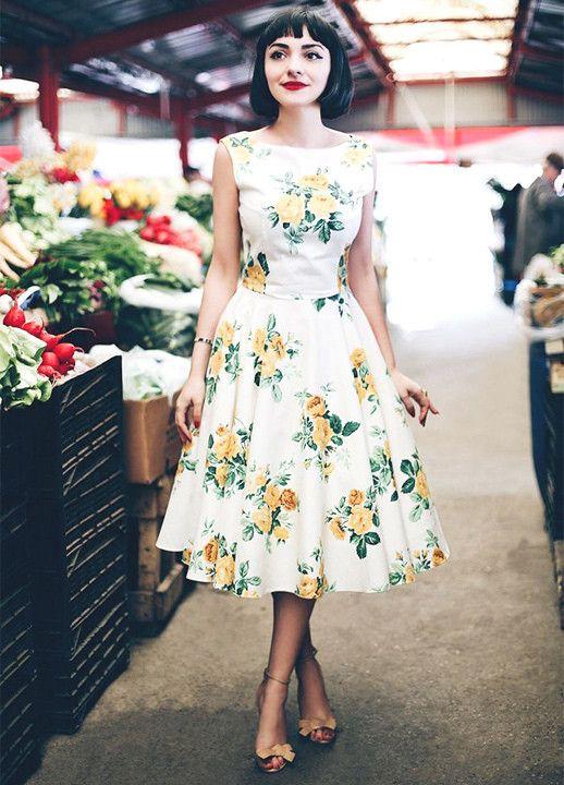 Bästa sätten att bära blommiga tryck 2020    Vackra klänningar.