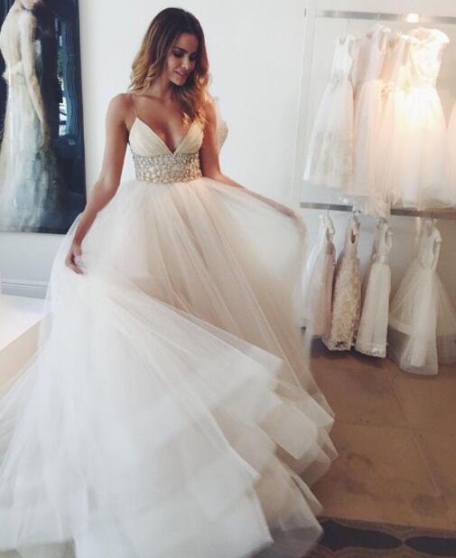 Vacker strandbröllopsklänning, Sexig bröllopsklänning i linje, Spaghetti.