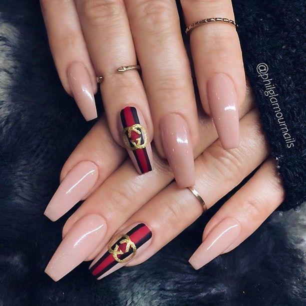 Pin av Axelis Torres på Simple nail arts    Snygga naglar, Gucci-naglar.