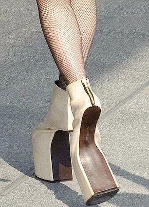 Gaga skulle gå ga för dessa framklackade skor ... Men skulle du.