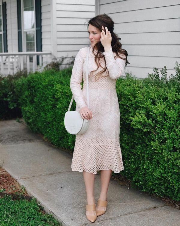 Bästa Courtney Toliver Style    Blygsamma klänningar, söta klädkläder.