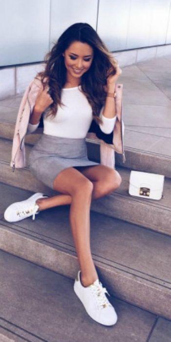 Mini kjol kläder: söta sätt att bära en mini kjol - bara.