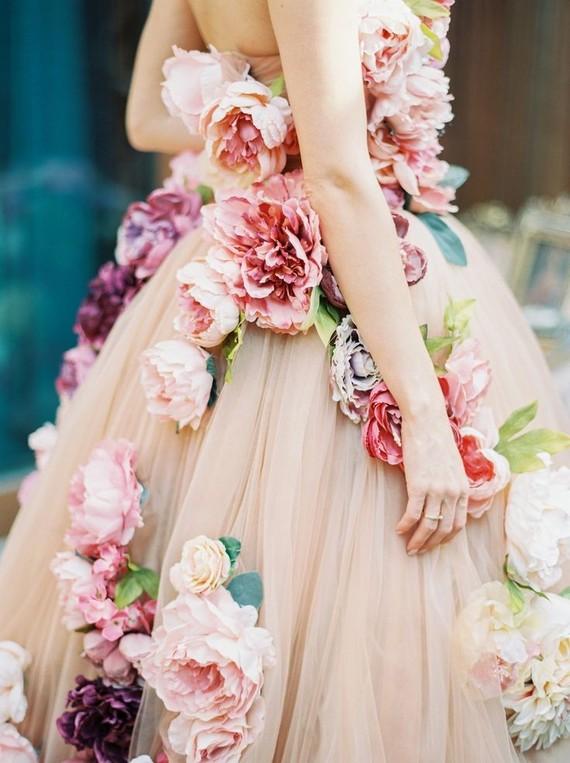 Inspiration för blommig bröllopsklänning - 100 lager ca