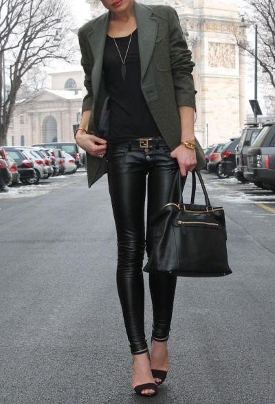 söt outfit ... inte modig nog att bära läderbyxor, men svart.