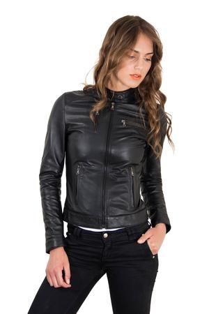 Läderjacka för kvinnor Biker Lamb Leather Giulia - Moderna val.