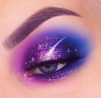 101 Galaxy-inspirerade ögonmakeupidéer #eyemakeup Galaxy Eye Makeup.
