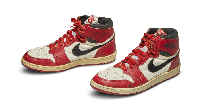 Varför sneakers hämtar hundratusentals på auktion.