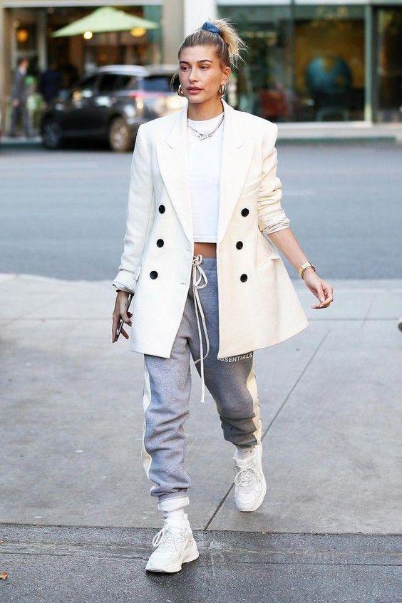 19 av de bästa Hailey Bieber-kläderna - WOAHSTY