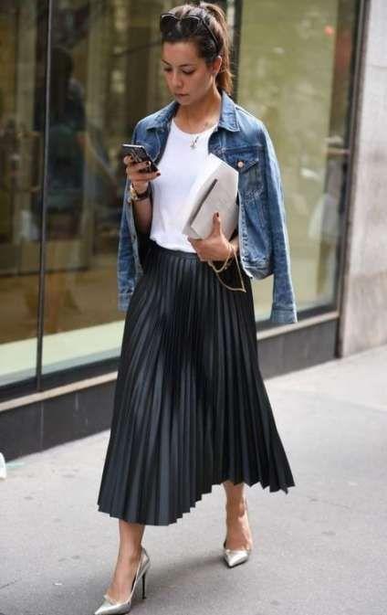 Bästa kjol svarta veckade outfitidéer    Plisserad kjoldräkt.
