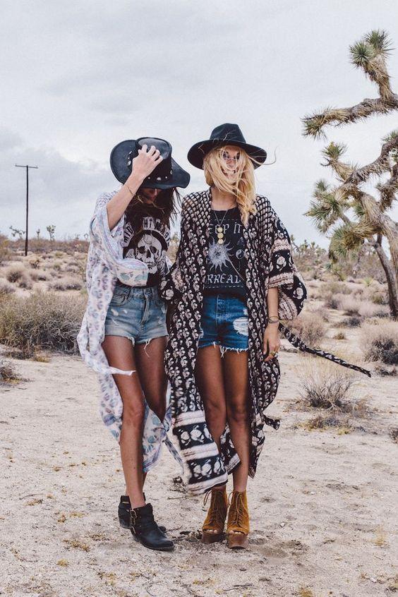 Att leva för festivaler: Bästa Coachella Festivalkläder för att prova detta.