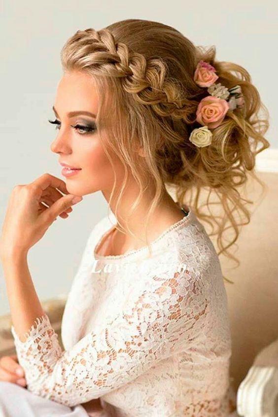 Messy Updo Lavish Hairstyle For Bride 2 |  Vintage bröllop hår.