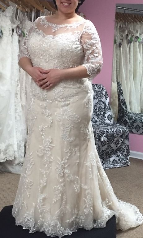 Pin på bröllopsklänning i plusstorlek