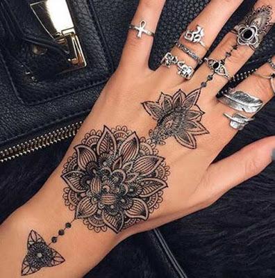 30 bästa och vackra Henna Tattoo Designs idé för kvinnor - Ftw Bl