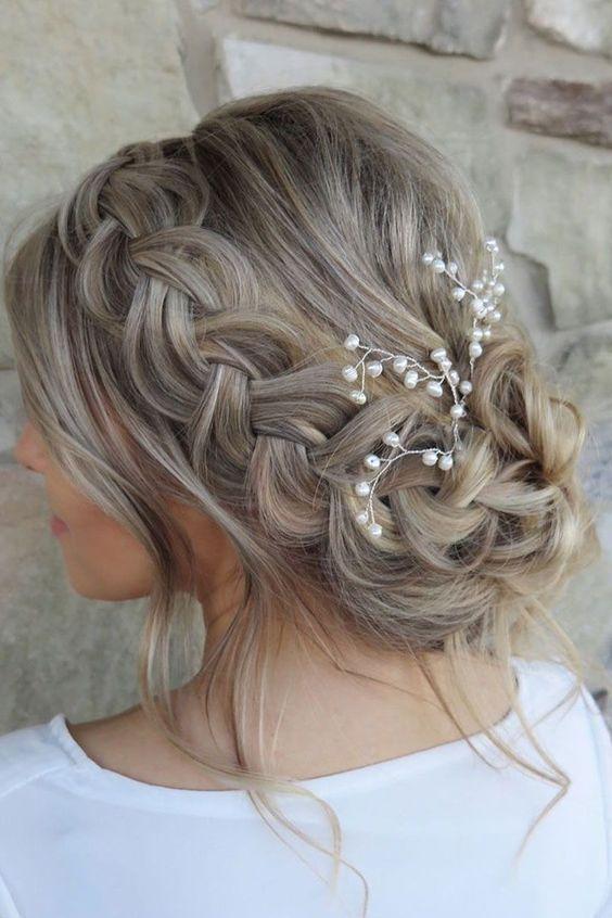 30 underbara och fantastiska bröllopsflätade frisyrer för din stora dag.