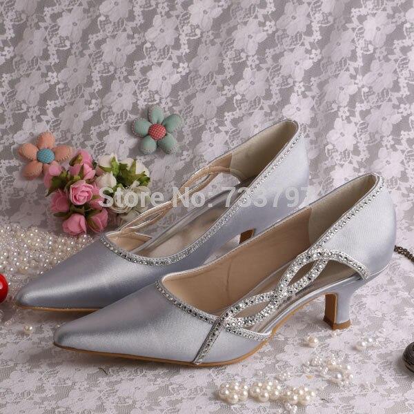 Speciell design spetsiga skor bröllop damer silver satäng skor.