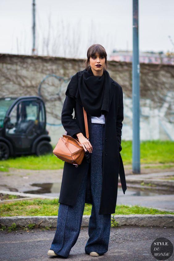 lila läppstift svart outfit