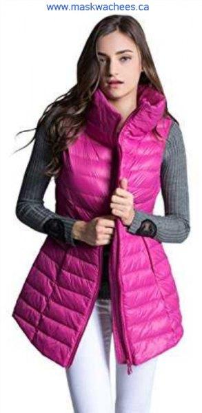 Rosa färgad lång dunväst med grå, ribbad, figurkramande tröja