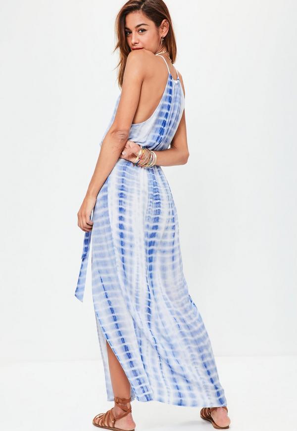 blå randig batik maxiklänning