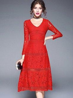 röd långärmad fit & flare midi spets klänning med krage