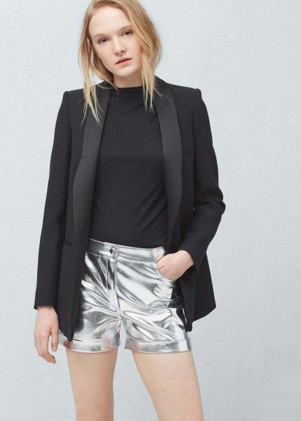 svart kavaj med silver metallic shorts
