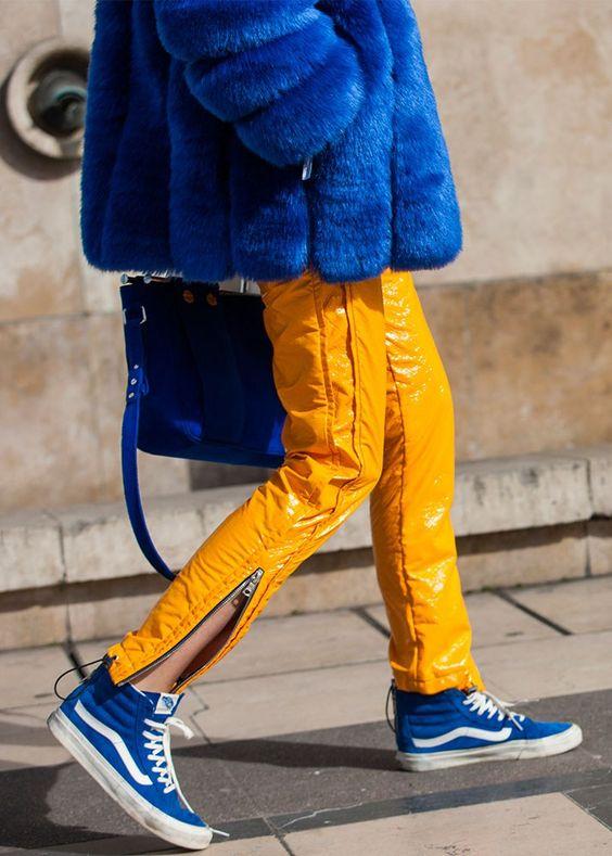 gulblå outfittransportör
