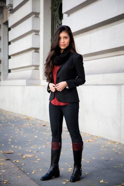 svarta byxor blazer knä höga stövlar