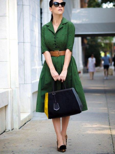 grön knälång klänning brunt bälte