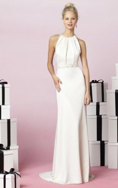 lång klänning i vit chiffonggrimma