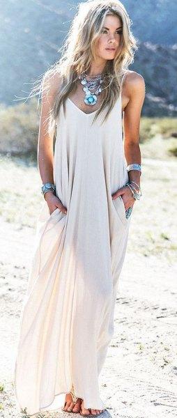 flytande golvlång klänning i boho-stil