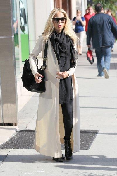 svart skift miniklänning och halsduk