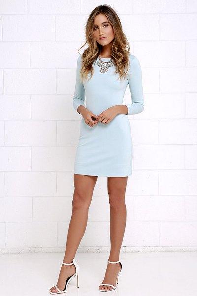 Bodycon mini ljusblå långärmad klänning med vita öppna tåklackar