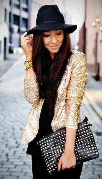 blazerjacka i guld med svarta skinny jeans