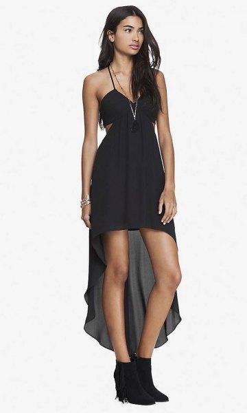 svart spagettiband hög låg klänning med stövlar