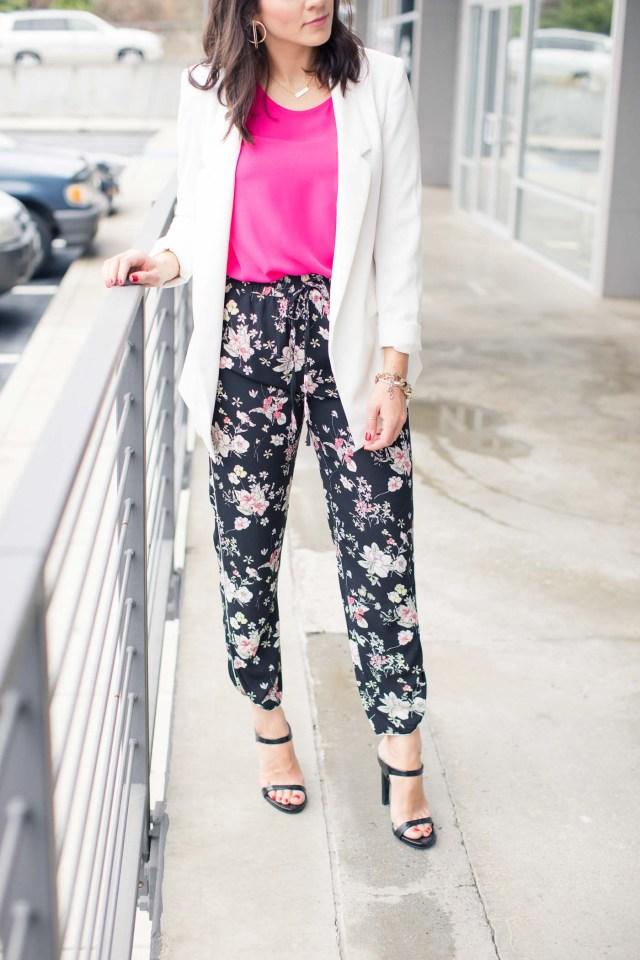 Floral jogger byxor rosa jacka