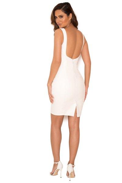 rygglösa läderklänning vita spetsiga klackar
