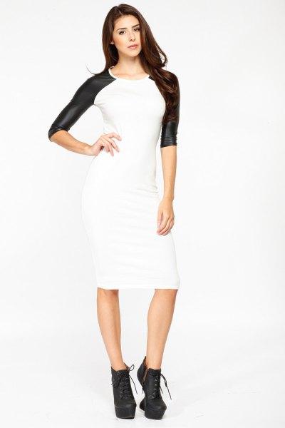 vit midi figur-kramar läder klänning svarta ärmar