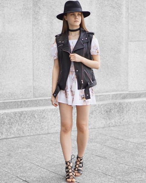 vit off shoulder blomma mini klänning