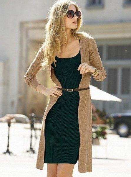 Longline crepe kofta och svart skift miniklänning