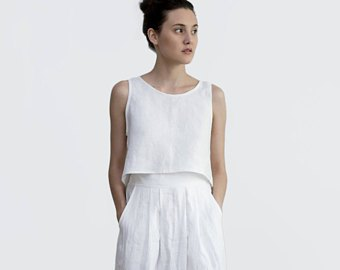 vit västtopp med matchande maxikjol i linne