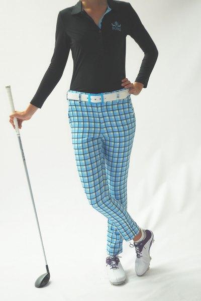 blå rutig golfbyxa svart polotröja