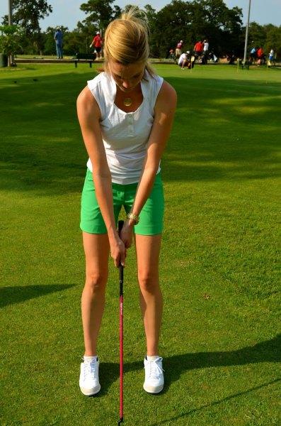 vit khaki golfshorts med toppväst