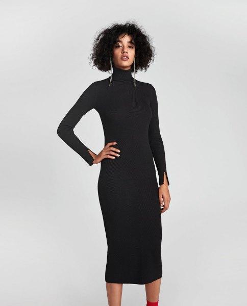 svart midja-ribbklänning med turtleneck
