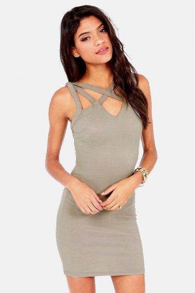 grå mini-bodycon-klänning med halsringning framtill