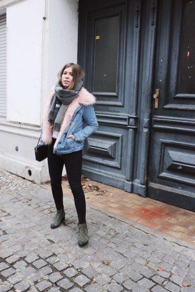 Jeansjacka i mockaskinn med pälskrage