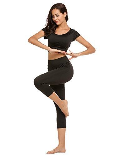 svart kort t-shirt med matchande korta leggings