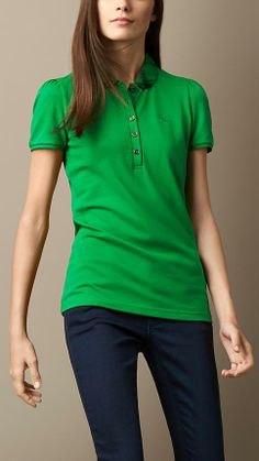 grön slim fit topp med mörkblå skinny jeans