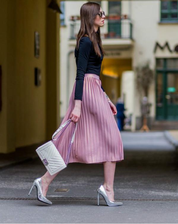 Plisserad kjol look