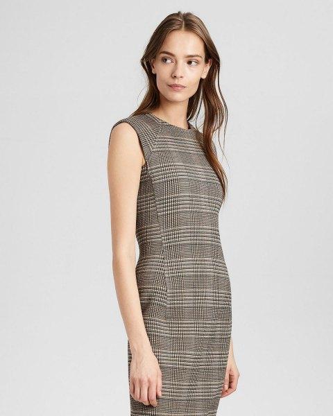 grå midiklänning med rutad ullmantel