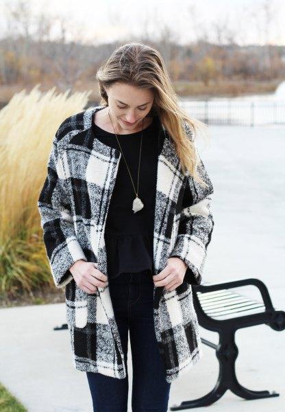 svart och vit rutig ullrock